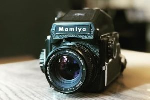 5 Awesome Medium Format Cameras for Beginners on Shoot It With Film